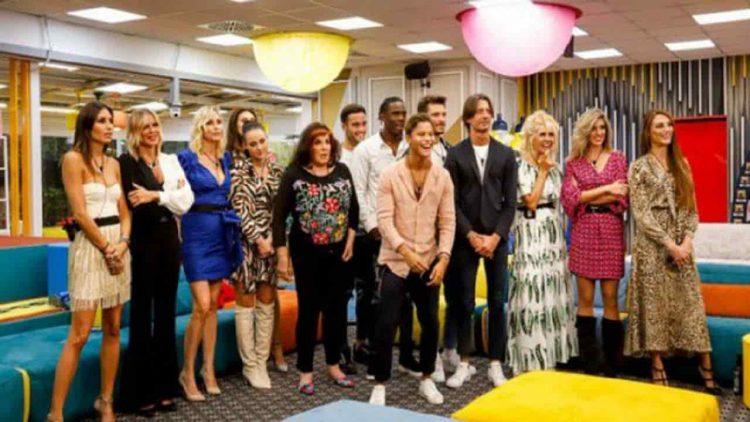Gf Vip 5 Stupore In Diretta Tv Lospite Annuncia Il Lutto Signorini In Difficolta