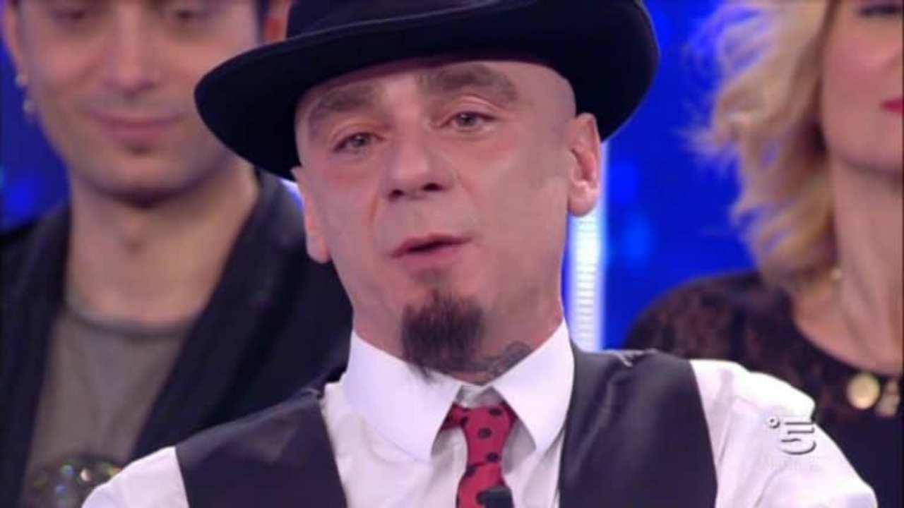 Nicolas Aleotti, il figlio di J-Ax: per lui il rapper ha fatto un gesto bellissimo e molto toccante