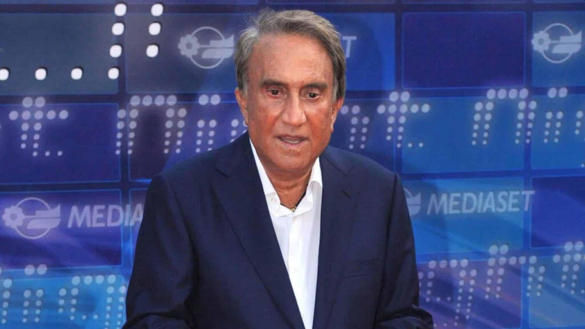Emilio Fede, il direttore del Tg4 ricoverato d'urgenza in ospedale