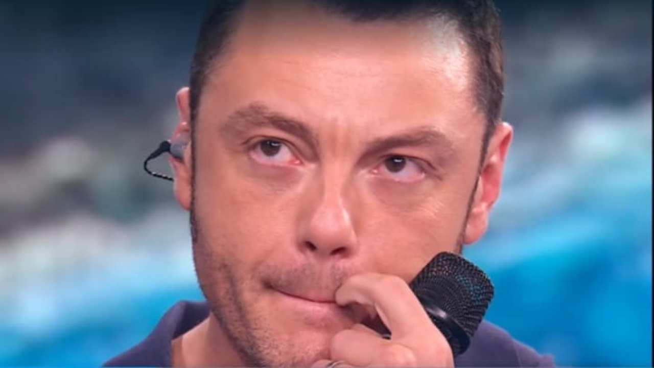 """Tiziano Ferro confessa il suo dolore """"Mi si strappa il cuore…."""""""