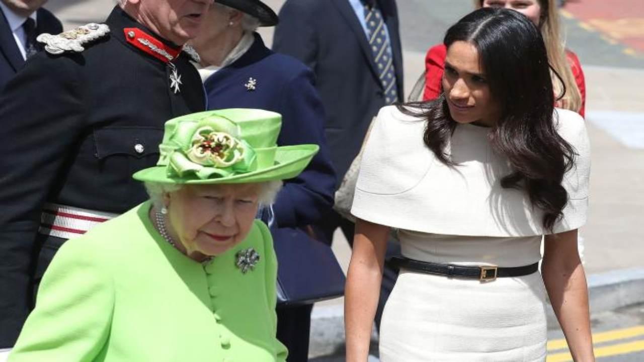 Meghan Markle, la Regina Elisabetta convoca Kate: nuovo retroscena