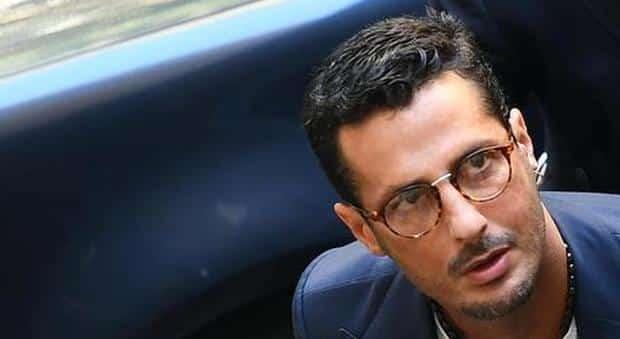 Fabrizio Corona non regge più il carcere, andrà in un istituto di cura a Monza