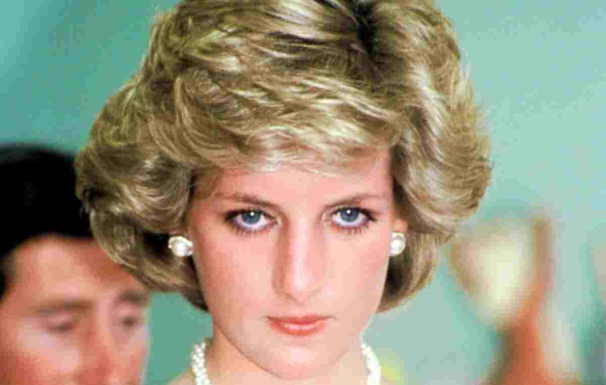Lady Diana e quel vestito della vendetta che ha fatto tanto vergognare il Principe Carlo