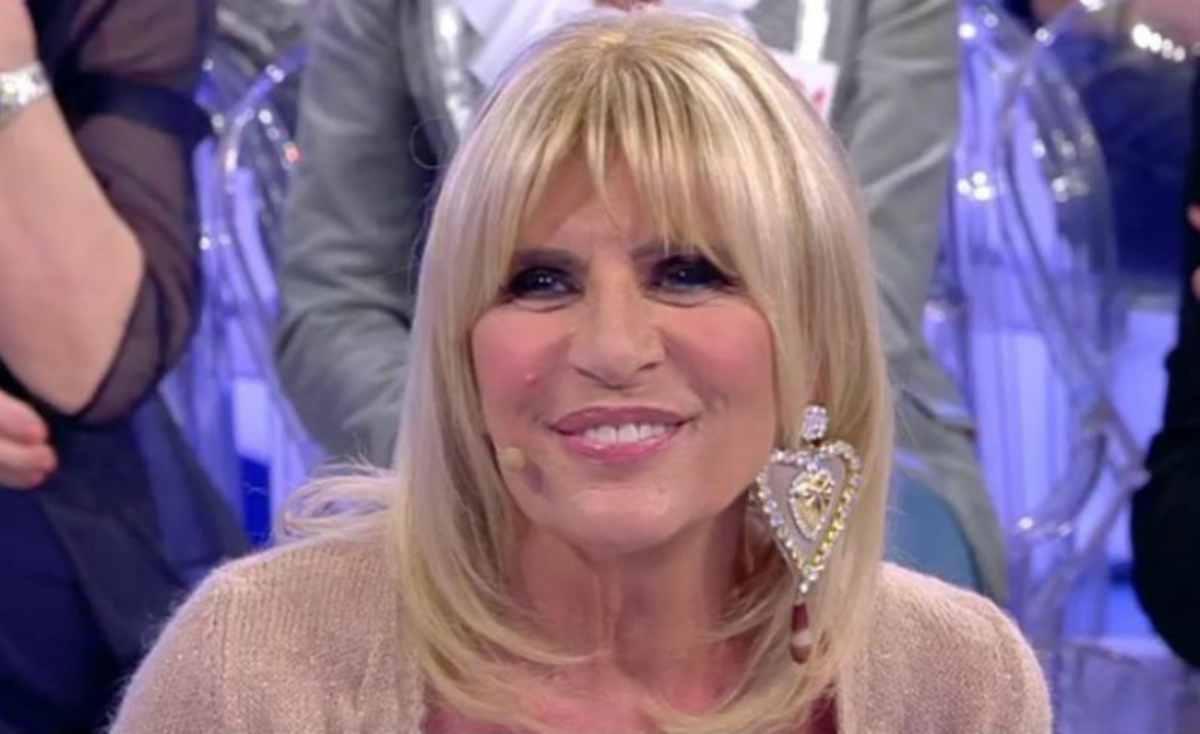 """Uomini e donne, polemiche su Gemma Galgani """"La dama ha mentito a Maria De Filippi"""""""