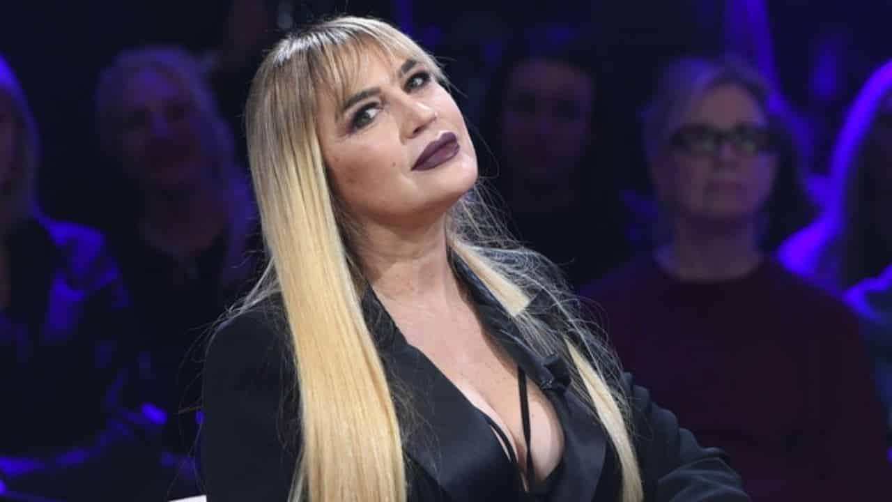 """Lory Del Santo choc: """"io violentata e abusata per una notte intera"""""""