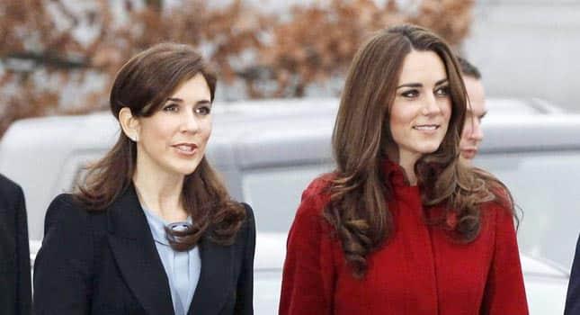 Kate Middleton fregata sul tempo. Mary di Danimarca e gli auguri di Buon Natale prima di lei