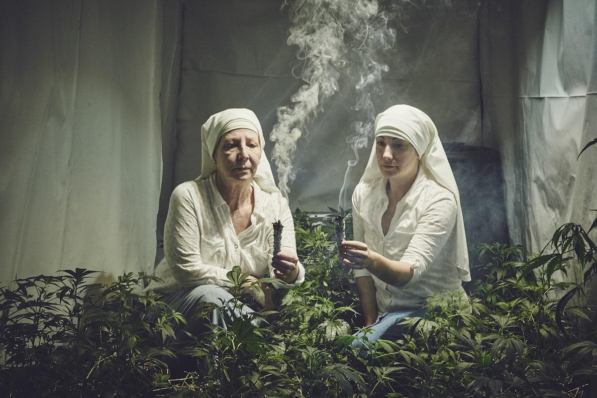 Cannabis sacra: ecco come due suore coltivano marijuana medica