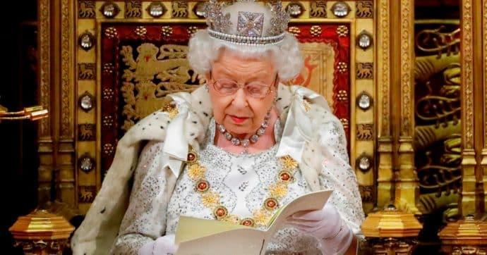 Regina Elisabetta deceduta per infarto, sui social la data del funerale: tutta la verità