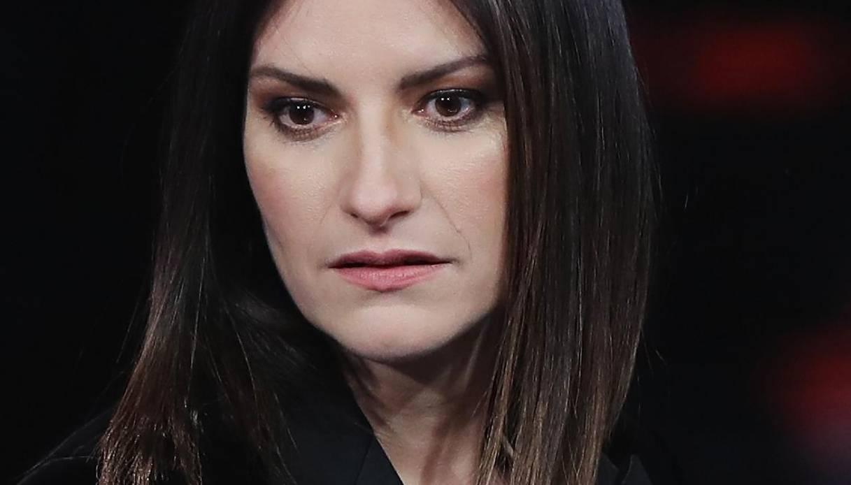 Laura Pausini sorprende i suoi fan, la cantante sempre più magra e sexy