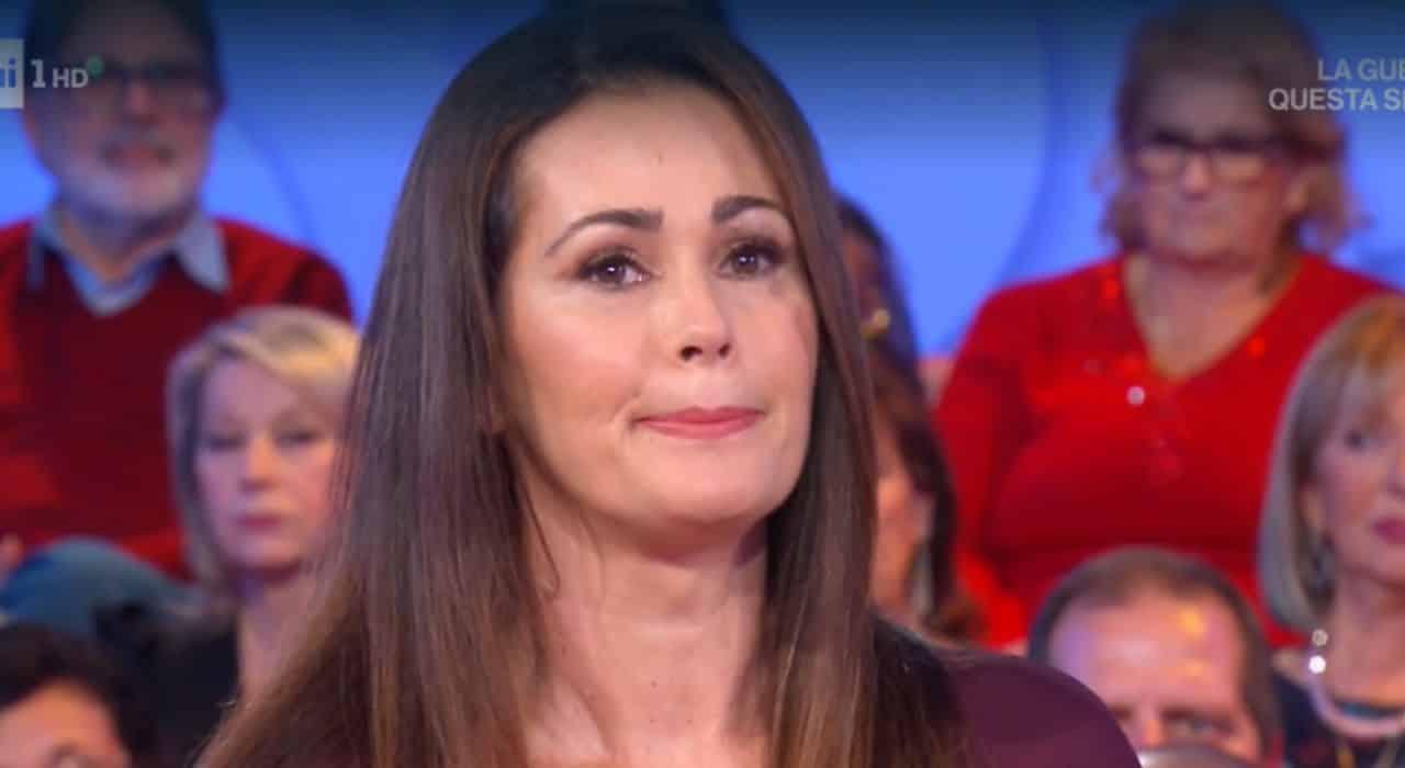 """Samantha De Grenet confessione shock a Vieni da Me """"Ho lottato contro una malattia"""""""