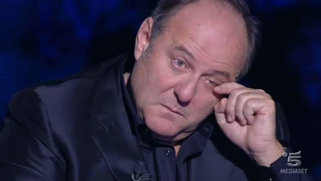 Chi vuol essere milionario, lacrime di commozione per Gerry Scotti ricordando il suo papà
