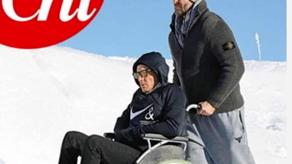 Lapo Elkann in sedia a rotelle dopo l'incidente: conseguenze gravi, le foto su Chi