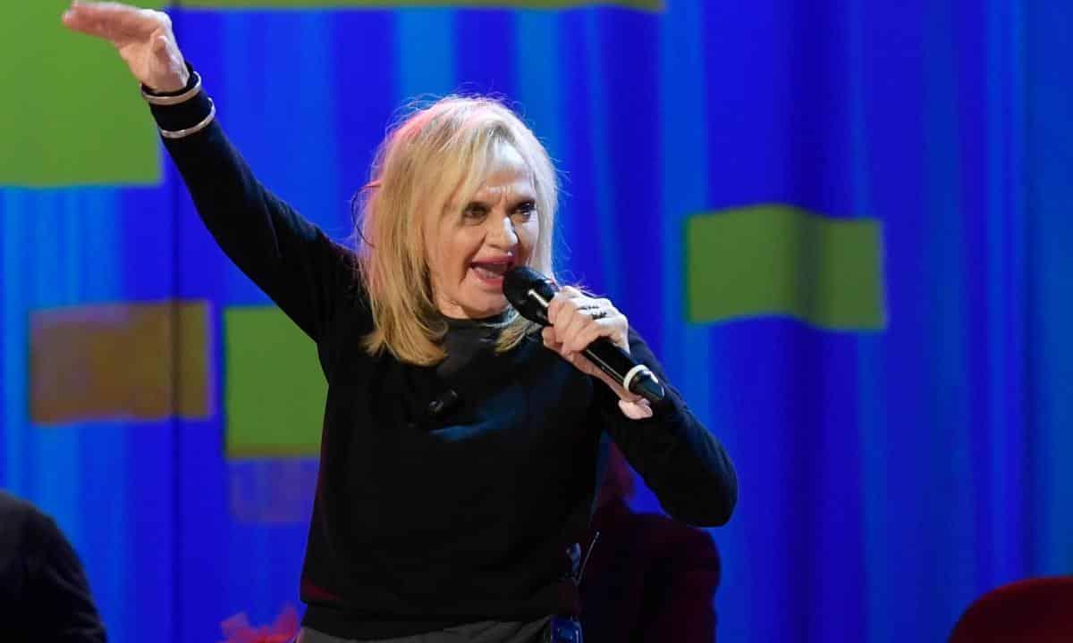 Rita Pavone, dove vive oggi la cantante all'età di 74 anni? Non crederete ai vostri occhi
