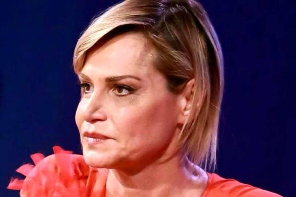 Simona Ventura, grande dolore per la morte della donna: l'addio sui social commuove tutti