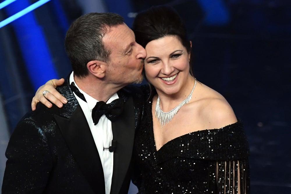 Amadeus, la moglie Giovanna Civitillo sui social bersagliata dalle critiche