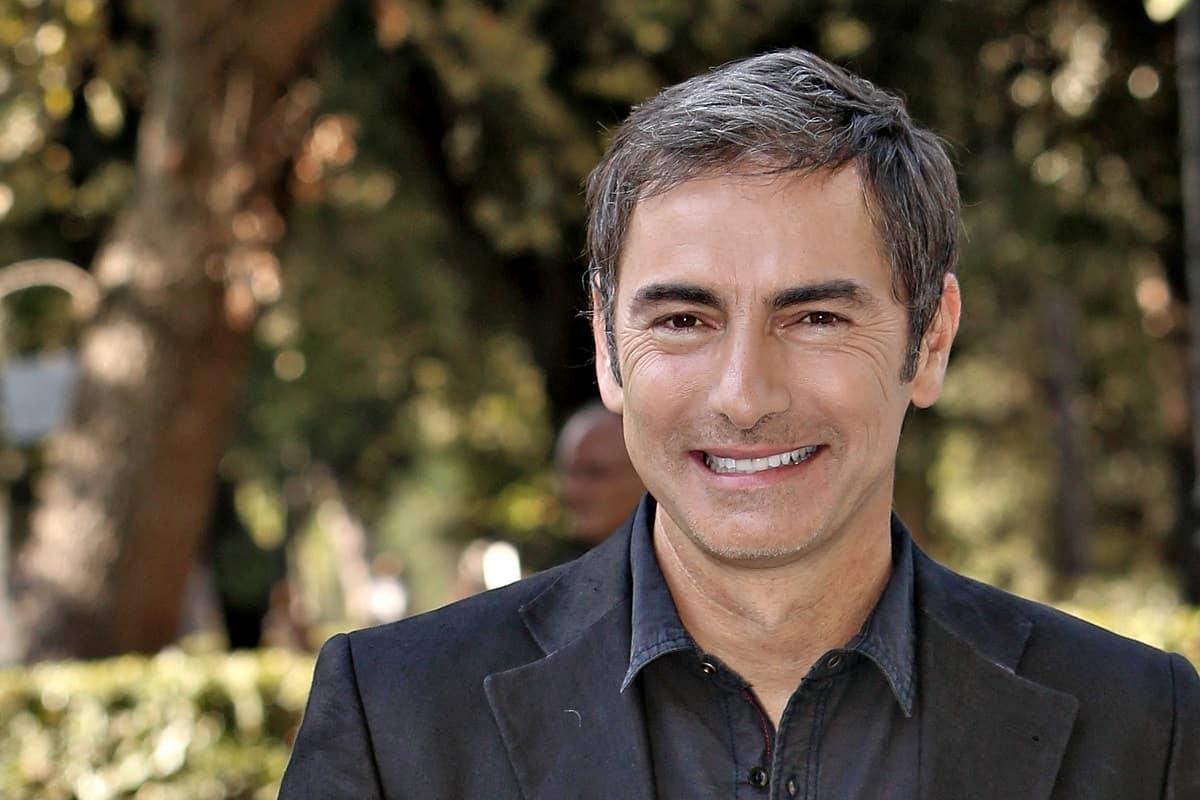 Marco Liorni a Italia Si, la proposta in diretta sotto gli occhi di tutti