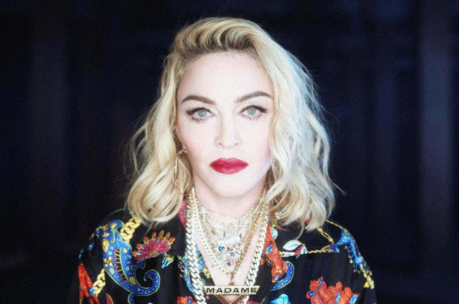 """Madonna non sta bene e annuncia l'intervento sui social """"Otto mesi di dolore, dovrò operarmi"""""""