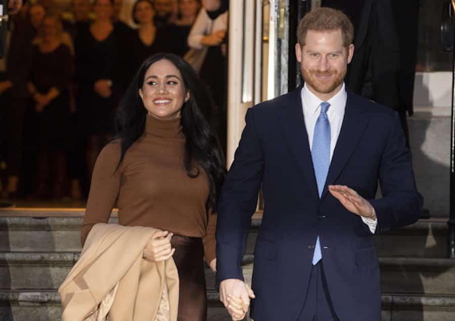 """Harry e Meghan addio social alla corona: """"Insieme possiamo salvarci"""""""