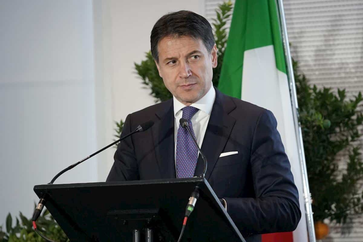 """Due avvocati presentano esposto contro Conte """"Misure prese  in ritardo hanno causato migliaia di morti"""""""