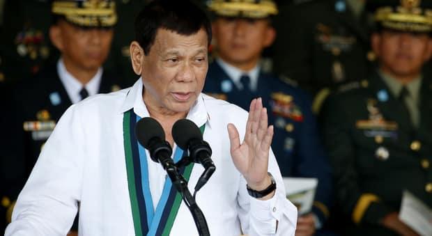 Coronavirus Filippine, il Presidente ordina di sparare a chi vuola la quarantena