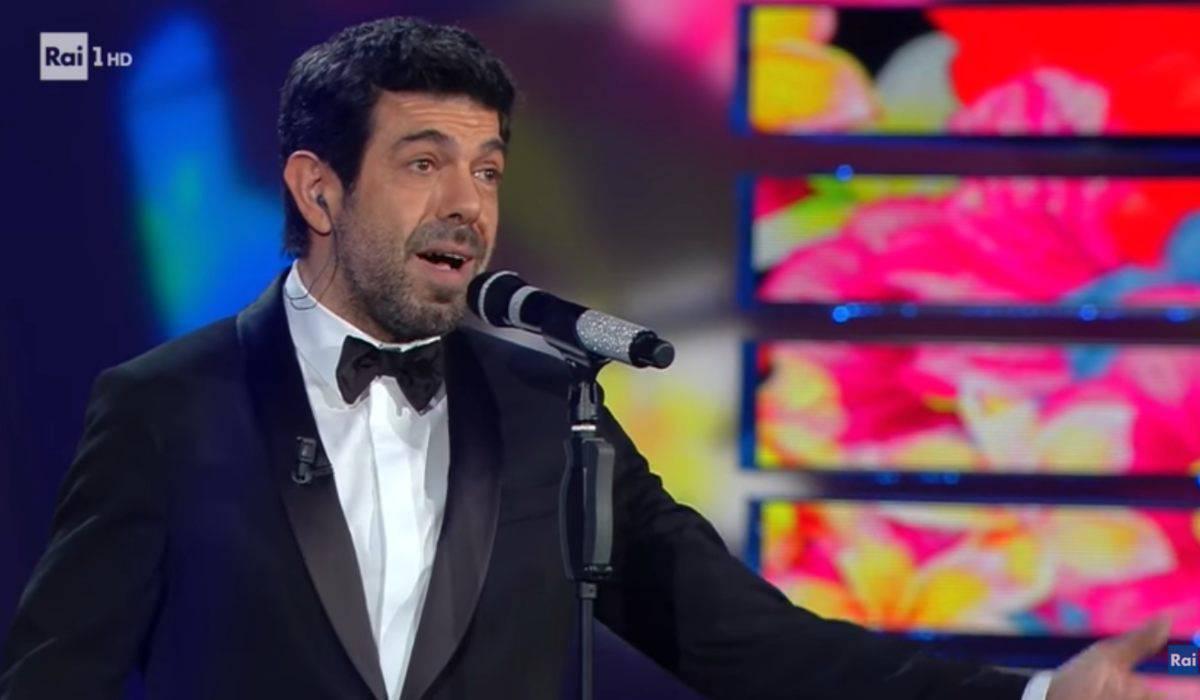 """Pierfrancesco Favino a sorpresa il retroscena sulla compagna Anna """"Il matrimonio? No"""""""