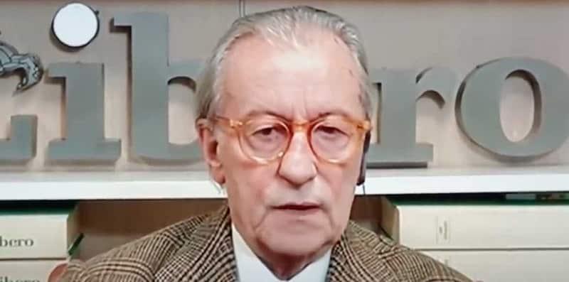 """Vittorio Feltri sul caso mascherine """"come drogati in crisi d'astinenza"""": nuova polemica"""