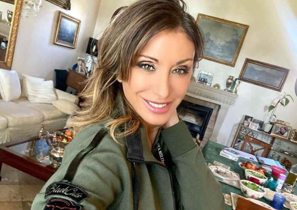 Sabrina Salerno, è lei la reginetta di Instagram: sugli scogli in versione sirenetta