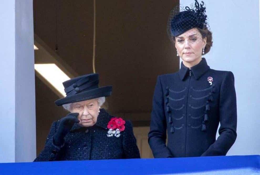 Regina Elisabetta, sgarbo a Kate Middleton: la Sovrana fa un regalo al figlio Edoardo