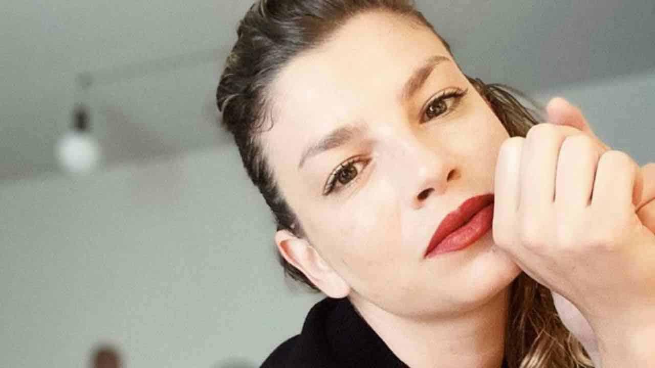 Emma Marrone, il dolore per la scomparsa del maestro: cuore spezzato e post commovente