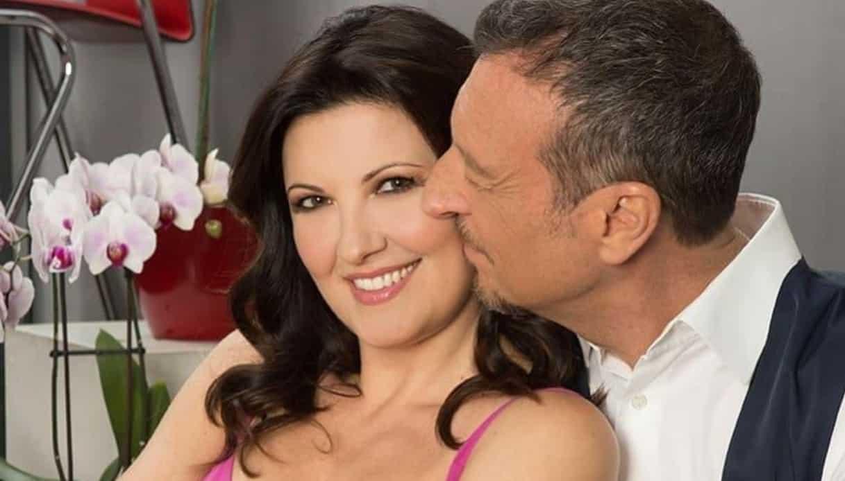 Giovanna Civitillo lite furibonda sui social con i follower, cosa è accaduto alla moglie di Amadeus?