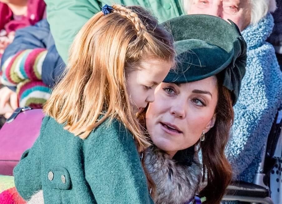 Charlotte rimproverata pubblicamente per quel gesto, la figlia di Kate e William nella bufera