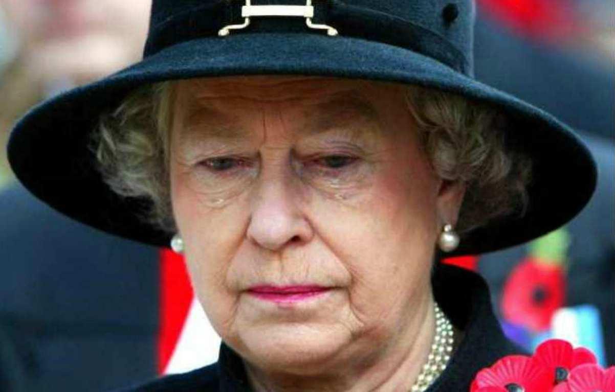 """Regina Elisabetta, grave lutto per la Sovrana """"Ne sono morti cinque…ho il cuore spezzato"""""""