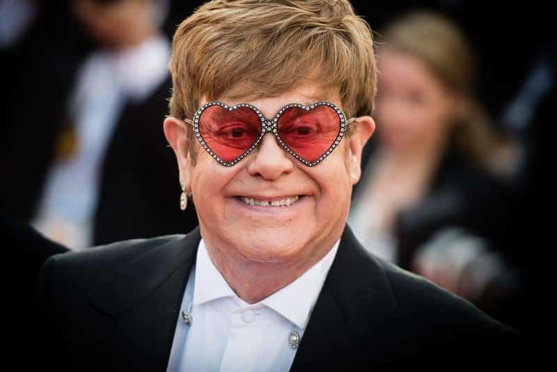 Elton John, 36 anni fa era sposato con una donna: chi era?