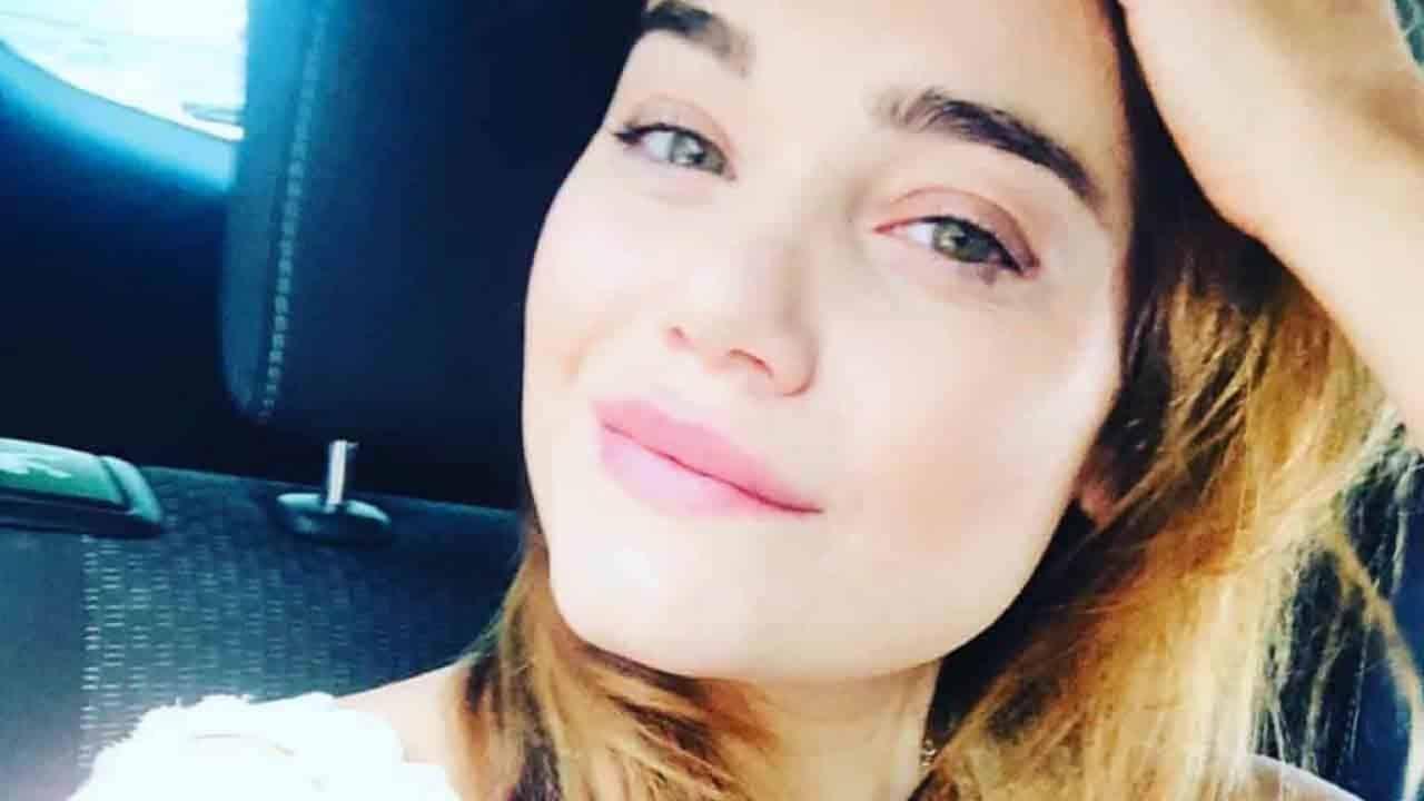 """Romina Carrisi, la confessione a distanza di tempo """"All'inizio sono rimasta con papà poi…"""""""