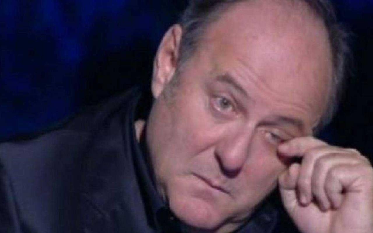 """Gerry Scotti, le accuse brutali del giovane ballerino """"Licenziato senza ragione…"""""""