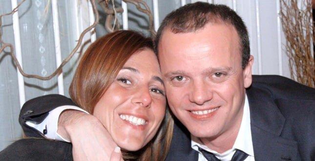 """Gigi D'Alessio, parla l'ex moglie Carmela Barbato """"A rovinare tutto è stato il successo"""""""