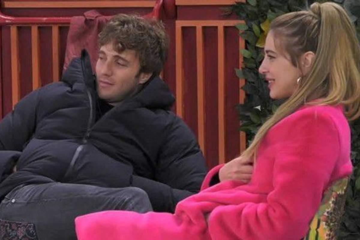 Clizia Incorvaia e Paolo Ciavarro le loro strade si dividono. E' già crisi? L'ex gieffina replica sui social