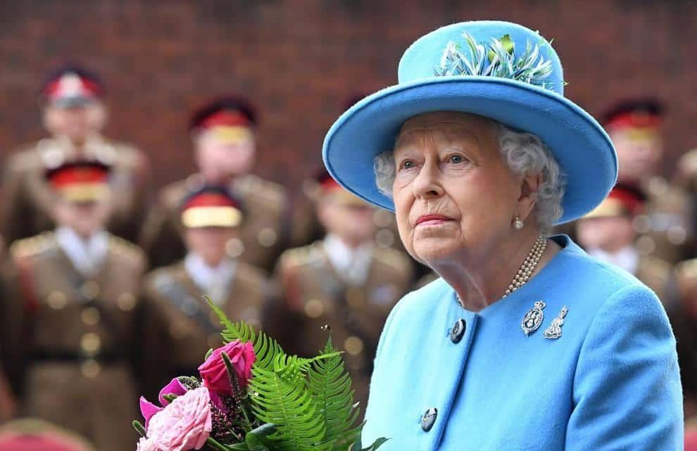 Regina Elisabetta, la Sovrana cede la sua dimora invernale per fare un drive in