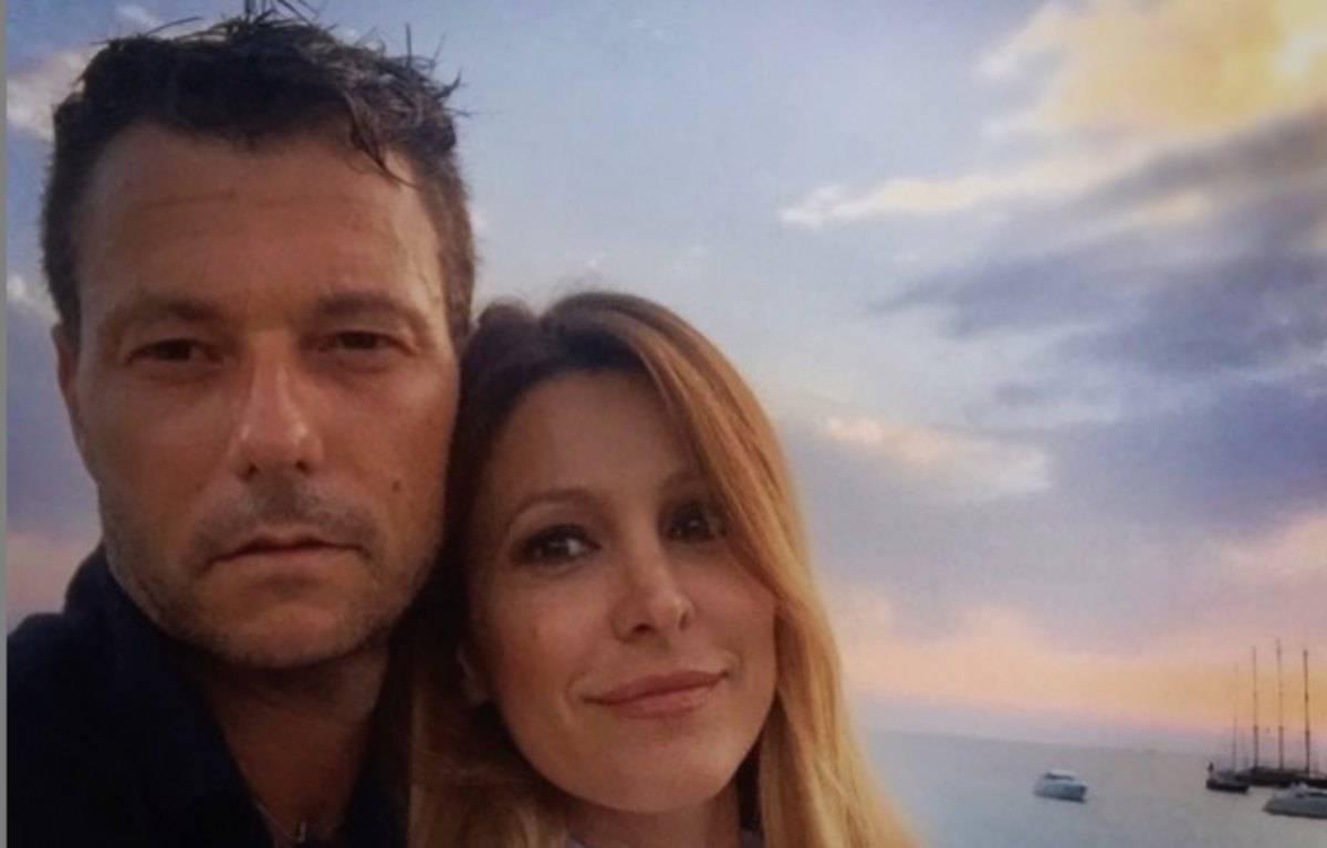 Adriana Volpe e Roberto Parli, i due sono tornati insieme? Il messaggio in diretta