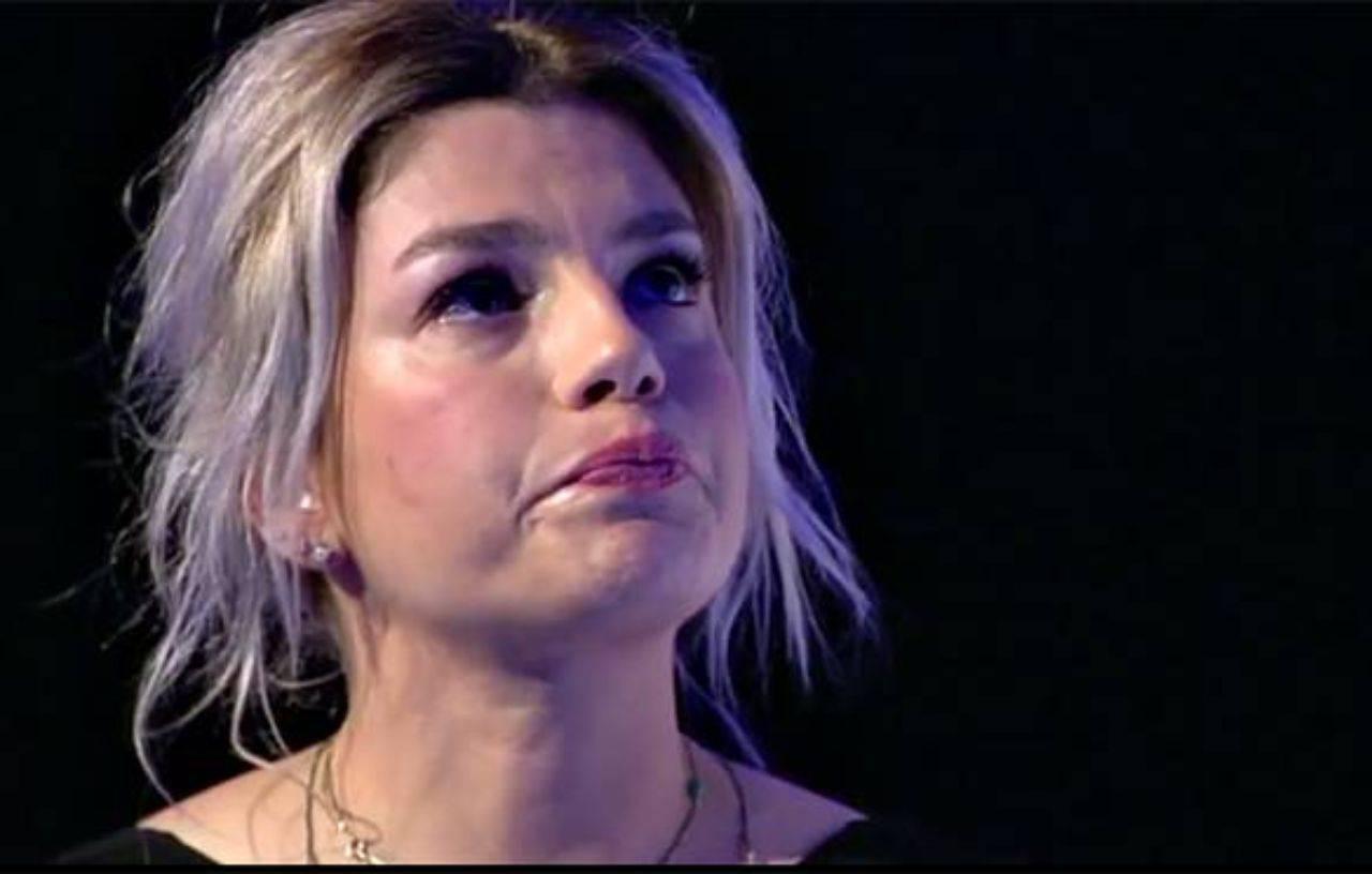 Emma Marrone non riesce a trattenere le lacrime e crolla in diretta tv