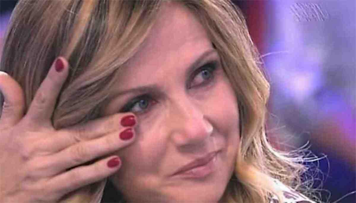 """Lorella Cuccarini, brutta frecciata dal GFVip: """"Vi svelo io che faceva dietro le quinte"""""""