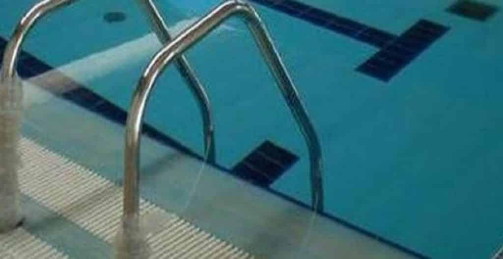 Bambino di due anni cade in piscina, muore dopo due giorni di sofferenze