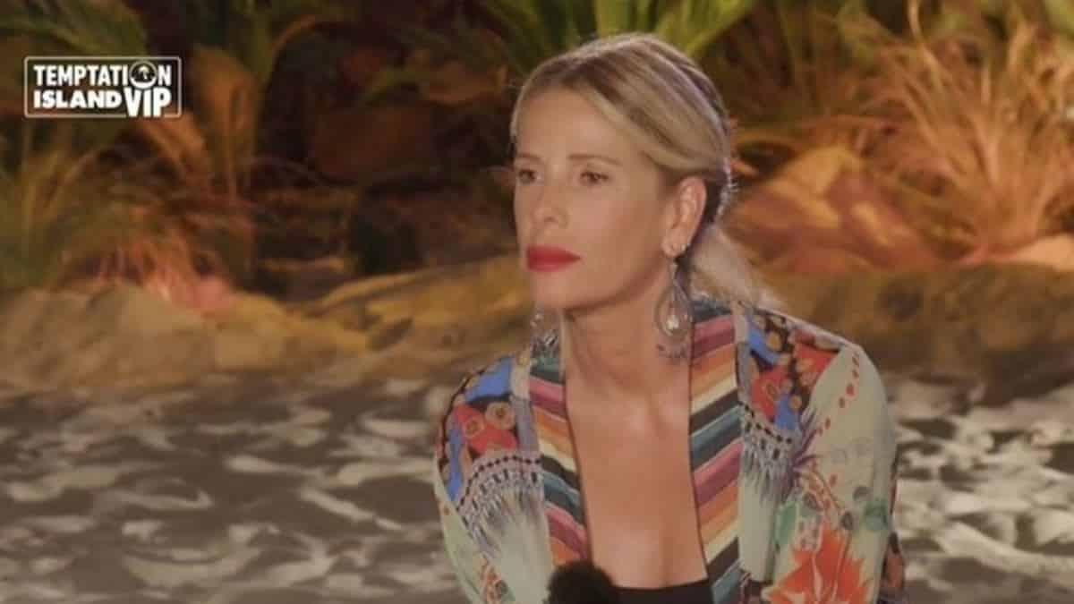 Temptation Island è flop, Maurizio Costanzo dice la sua: Alessia ha bisogno di fiducia…