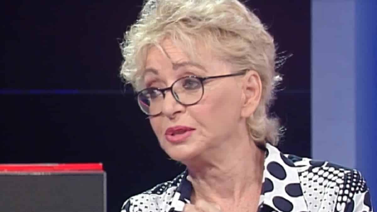 """Enrica Bonaccorti molestata, la denuncia in Tv: """"Persone molto vicine alla mia famiglia"""""""