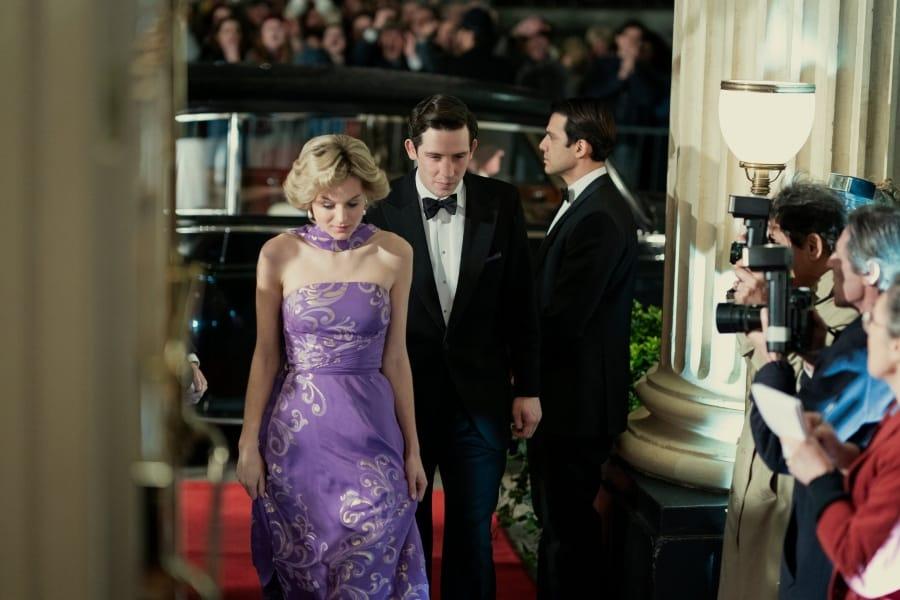 The Crown, la serie tv svela il segreto di Lady Diana: la Regina furiosa
