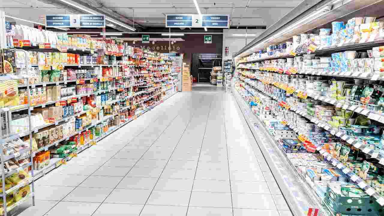 Ritiro alimentare, prodotti contaminati: coinvolto un marchio famoso, ecco i lotti