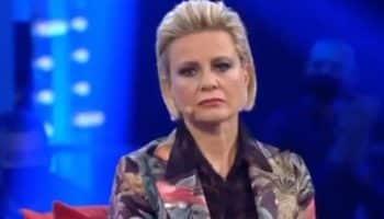 """Antonella Elia nella bufera """"Ha finto di avere un tumore"""""""