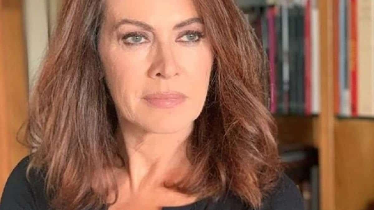 Elena Sofia Ricci chi è l'attrice de I Cesaroni? Età, carriera, mariti e figli