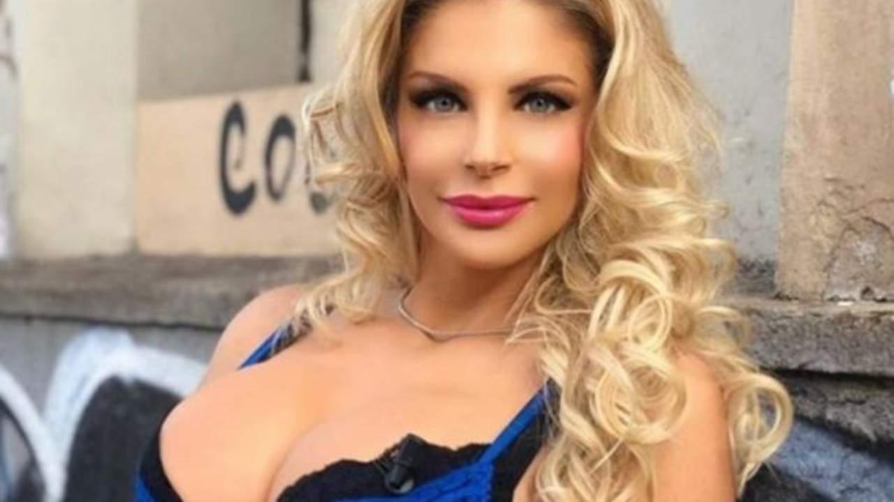 Francesca Cipriani chi è la showgirl? Età, passioni, carriera e vita privata