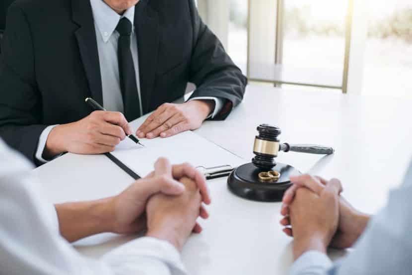 Il lockdown mette a rischio convivenze e matrimoni, boom di richieste di separazione